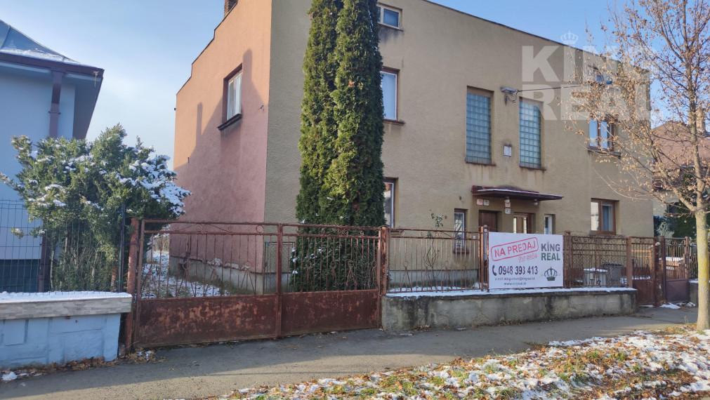 PREDANÝ!!  - NA PREDAJ rodinný dom v dvojdome v centre Prešova vo vyhľadávanej štvrti Táborisko v blízkosti Fakultnej nemocnice J.A. Reimana Prešov.